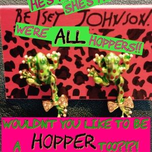 NWT BETSEY JOHNSON Hoppin' FROG Earrings